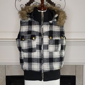 Women's Plaid Apple Bottom Hooded Vest Jacket